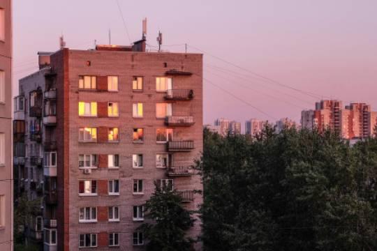 Россиянин выбросил из окна полуторагодовалого мальчика