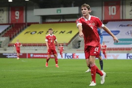 Сборная России по футболу потерпела поражение в матче против сборной Словакии