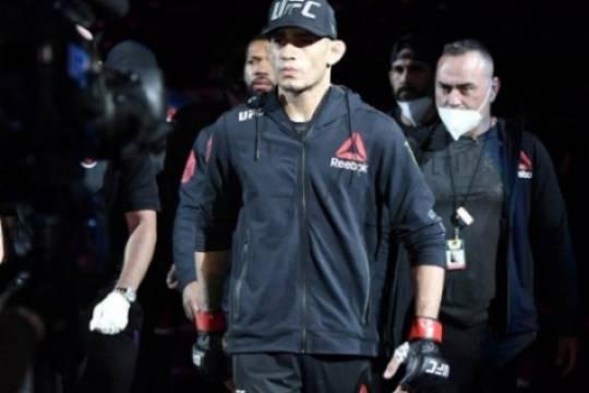 Тони Фергюсон поделился мыслями об уходе Нурмагомедова из UFC