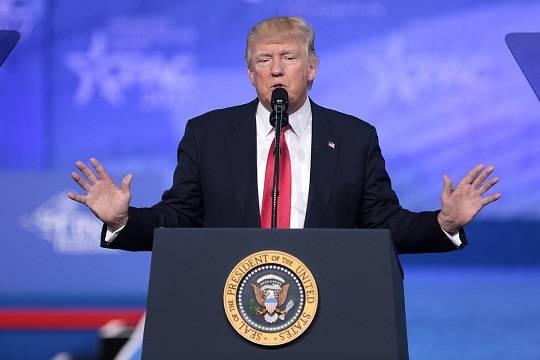 Трамп отказался подписать закон об экономической помощи в пандемию