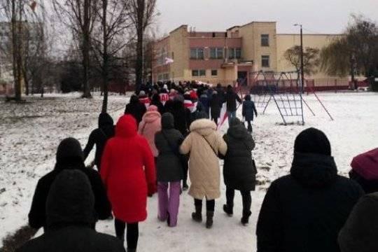 В Минске задержали Дедов Морозов в красно-белых «цветах оппозиции»