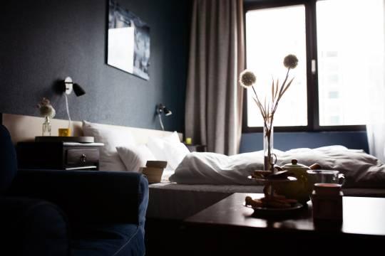 В одном из номеров гостиницы Подмосковья обнаружен труп женщины