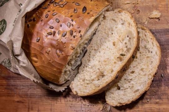 В Госдуме усомнились в возможности развития в России производства и продажи хлеба из насекомых