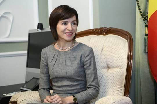 В парламенте Молдавии раскритиковали первые 100 дней президентства Санду