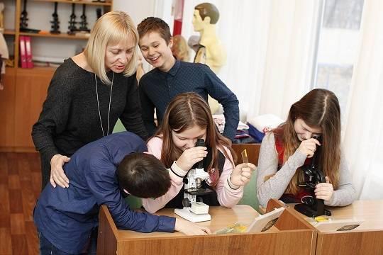 В России предложили увеличить зарплату учителей вдвое