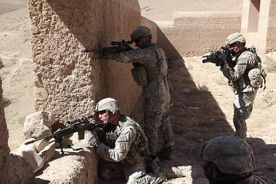 WSJ: США могут перебросить войска из Афганистана ближе к границе России