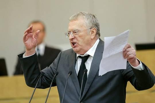 Жириновский предложил супругам ложиться спать в разных кроватях или квартирах