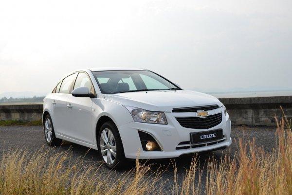 Зачем новая «Гранта», если есть это? Почему стоит заплатить 420 000 рублей за подержанный Chevrolet Cruze