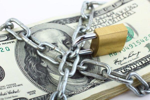 Доллар могут запретить. Власти РФ готовятся ограничить свободное хождение валюты в стране