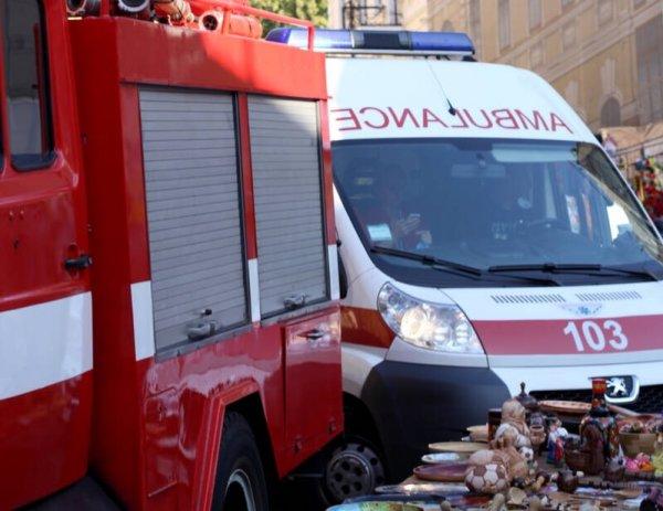 На трассе Лянтор — Карымкары в ХМАО перевернулся грузовик с вахтовиками