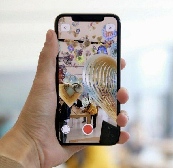 Apple получили патент на уникальную технологию синтетического селфи