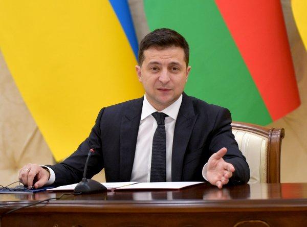 «Чтобы людям было легче»: Зеленский хотел заразиться COVID-19 ради украинцев