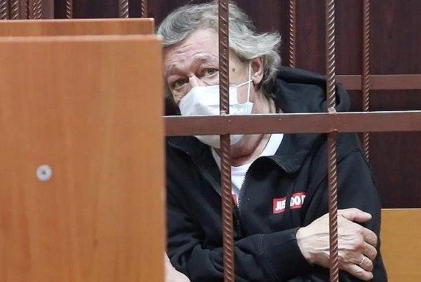 Адвокат об отказе представлять Ефремова: «Не хочу выигрывать суд»