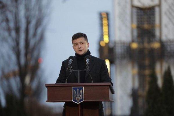 Пушков объяснил, почему Кремль не пригласил Зеленского на парад Победы