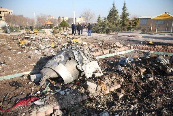 «Черный ящик» сбитого близ Тегерана Boeing отправят на дешифровку во Францию