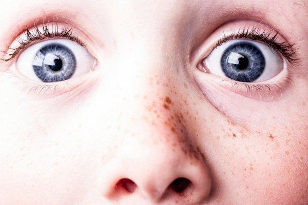 Учёные изобрели фонарик, улучшающий зрение за 3 минуты в день