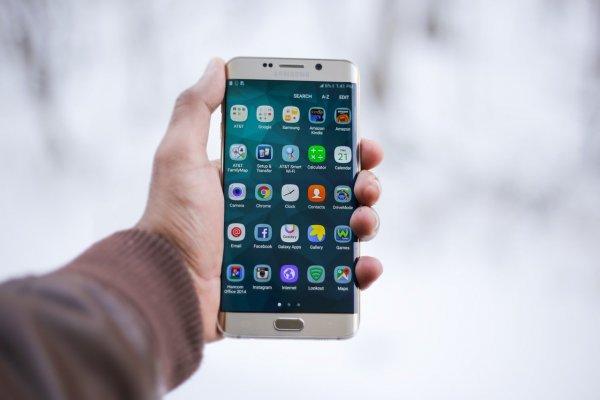 Huawei вновь назвали мировым лидером по продаже смартфонов
