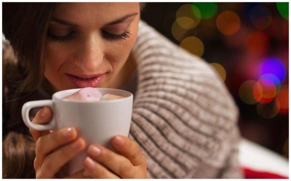 Кофе пора в отставку: Врач назвал вескую причину поменять утренний кофе на шоколад