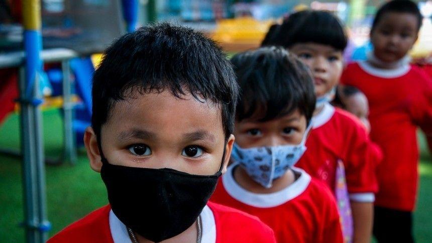 Ученые рассказали, почему «британский» штамм коронавируса опасен для детей