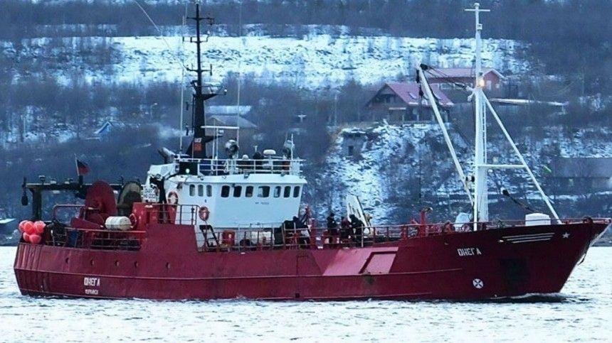 В Баренцевом море продолжается поиск рыбаков с затонувшего траулера