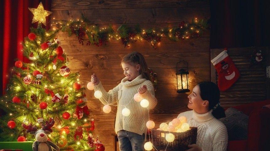 В МЧС рассказали, как украсить елку и не устроить пожар в новогоднюю ночь