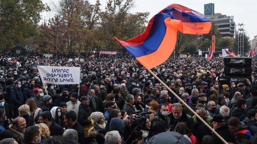 Задержания участников акций протеста начались в Ереване
