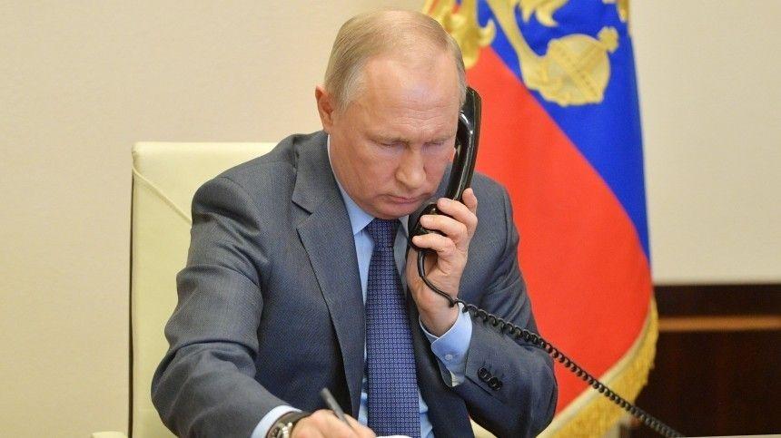 Песков заявил об отсутствии у Путина смартфона