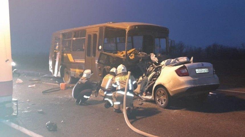 Автобус с призывниками попал в смертельное ДТП на Кубани —фото