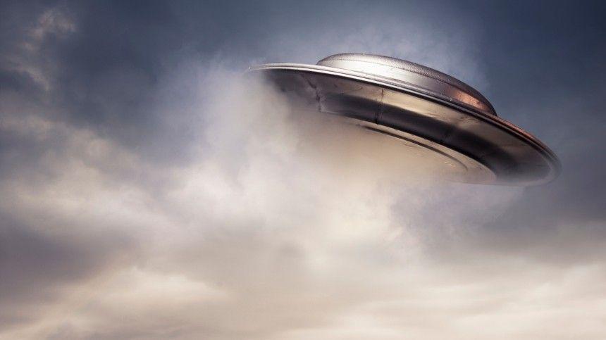 «Я видел видео»: бывший директор ЦРУ рассказал, что НЛО существует