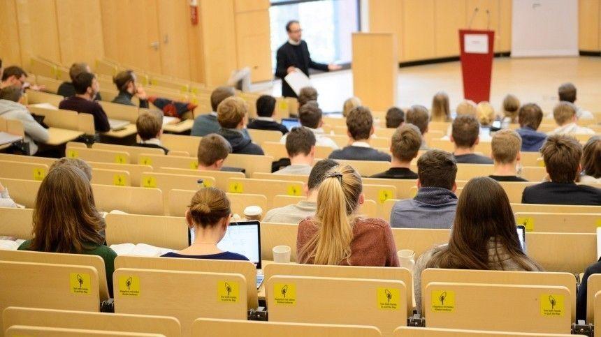 Путин рассказал, когда возобновится привычная университетская жизнь