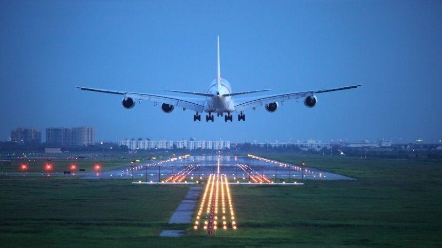 Самолет рейса Москва — Оренбург вынужденно приземлился в Самаре