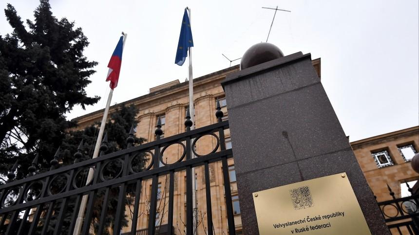 Деньги и шумиха: почему США выгодно обострять отношения между Россией и Чехией?