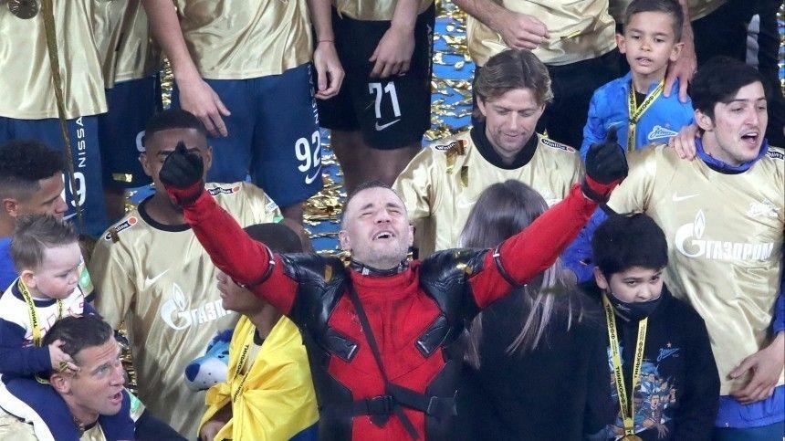 Прямая трансляция салюта в честь ставшего чемпионом России по футболу «Зенита»