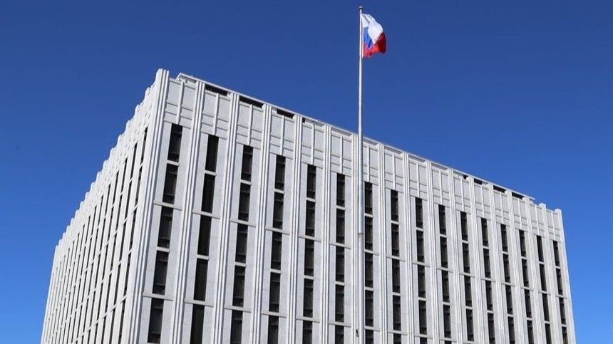 В посольстве РФ назвали голословными обвинения Пентагона по инциденту с эсминцем