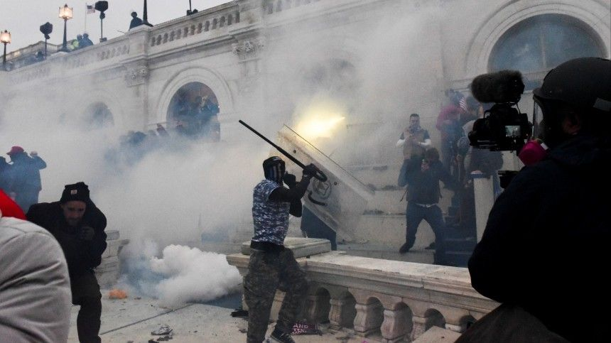 Стоит ли ждать «майдана» в Америке? — объясняет политолог