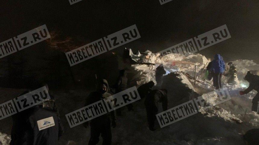 Двое детей и двое взрослых пропали без вести после схода лавины под Красноярском