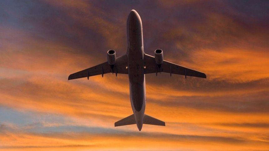 Посольство РФ проверяет информацию о россиянах на борту пропавшего в Индонезии самолета