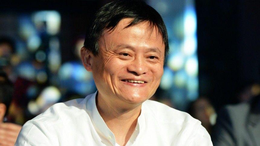 Обвиняемый в монополии основатель Alibaba впервые с осени показался на публике