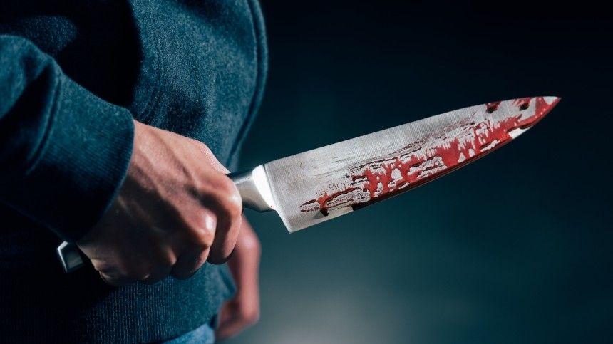 Пьяный житель Ленобласти изрезал ножом жену и бросил тело в лифте