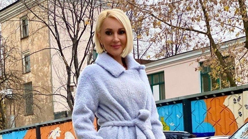 «Встаю с помощью трости»: Кудрявцева рассказала о самочувствии после перелома крестца