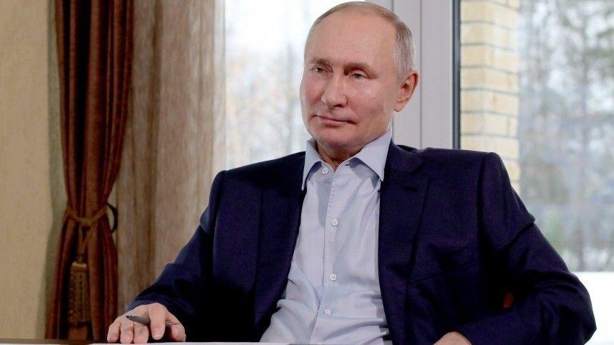 «Скучно, девочки» — Владимир Путин прокомментировал «расследование» Навального