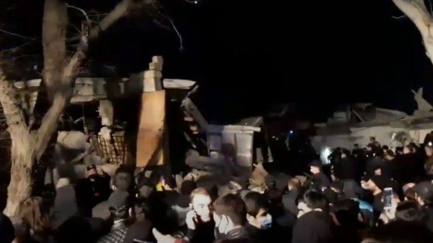Взрыв прогремел в жилом доме в пригороде Баку