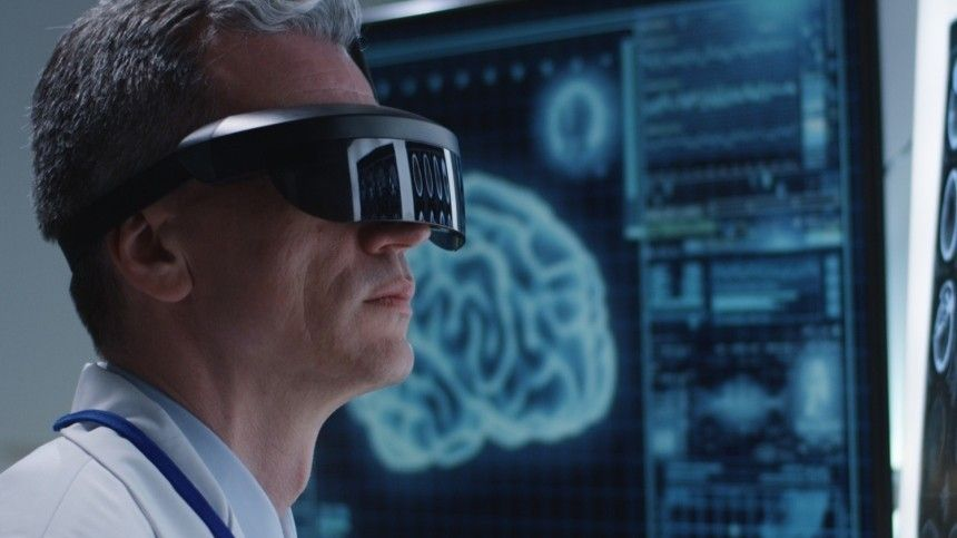 Уникальная операция в очках дополненной реальности прошла в Петербурге —репортаж