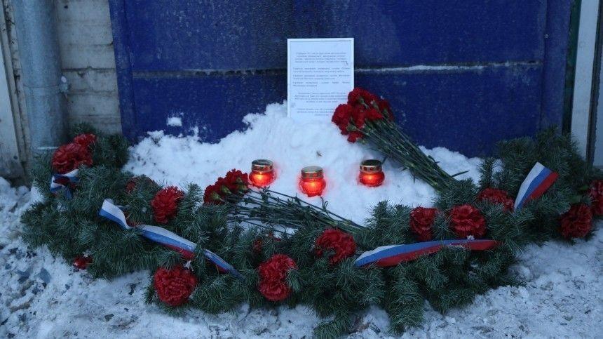 Названа причина пожара на складе в Красноярске, где погибли трое пожарных