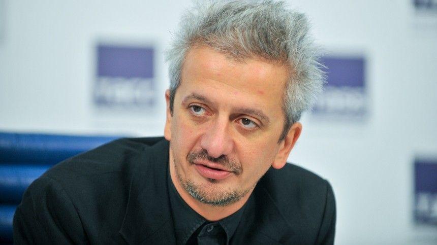 Богомолов устроил жаркий спор в эфире шоу Собчак о «паразитическом классе»