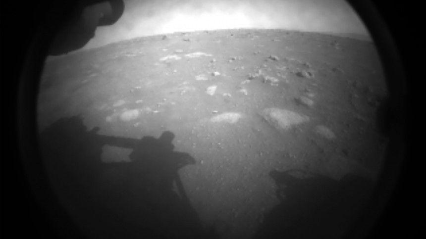 НАСА показало первые фото Марса с планетохода Perseverance