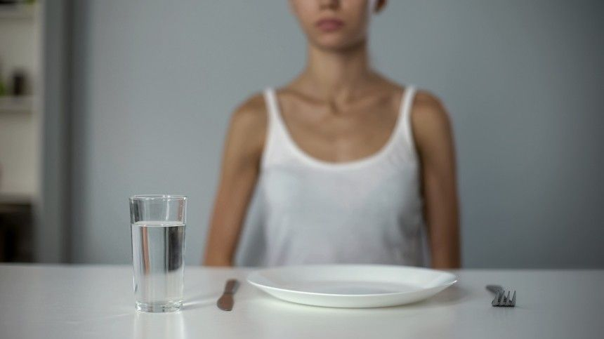 Медик призывает отказаться от диеты, спровоцировавшей гибель писательницы Шелдон