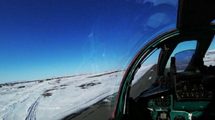 Видео: МиГ-31 перехватил на учениях в Арктике сверхзвуковой самолет-нарушитель