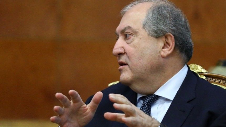 Президент Армении отказался утвердить нового главу Генштаба