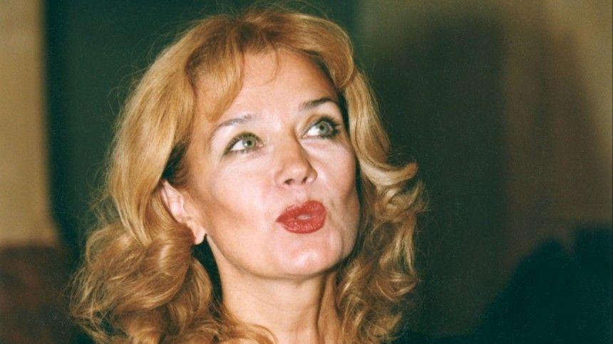 «Знают и любят зрители»: Путин тепло поздравил Ирину Алферову с 70-летием